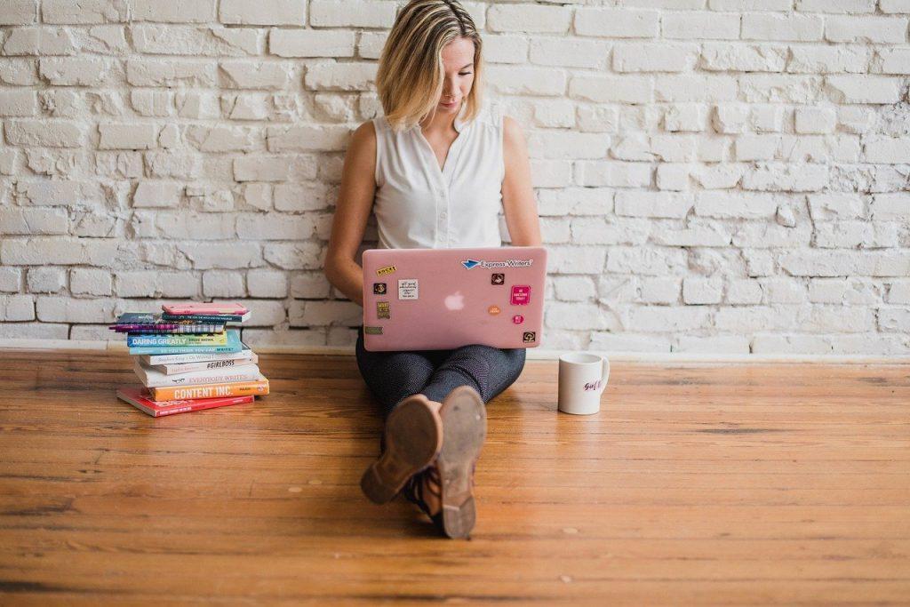 influencer, writing, girl